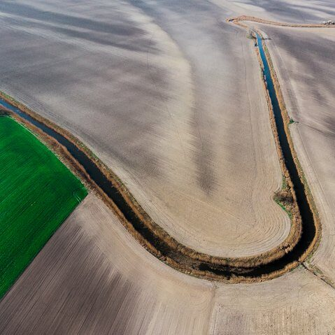 aerial-photography-of-field-2072553